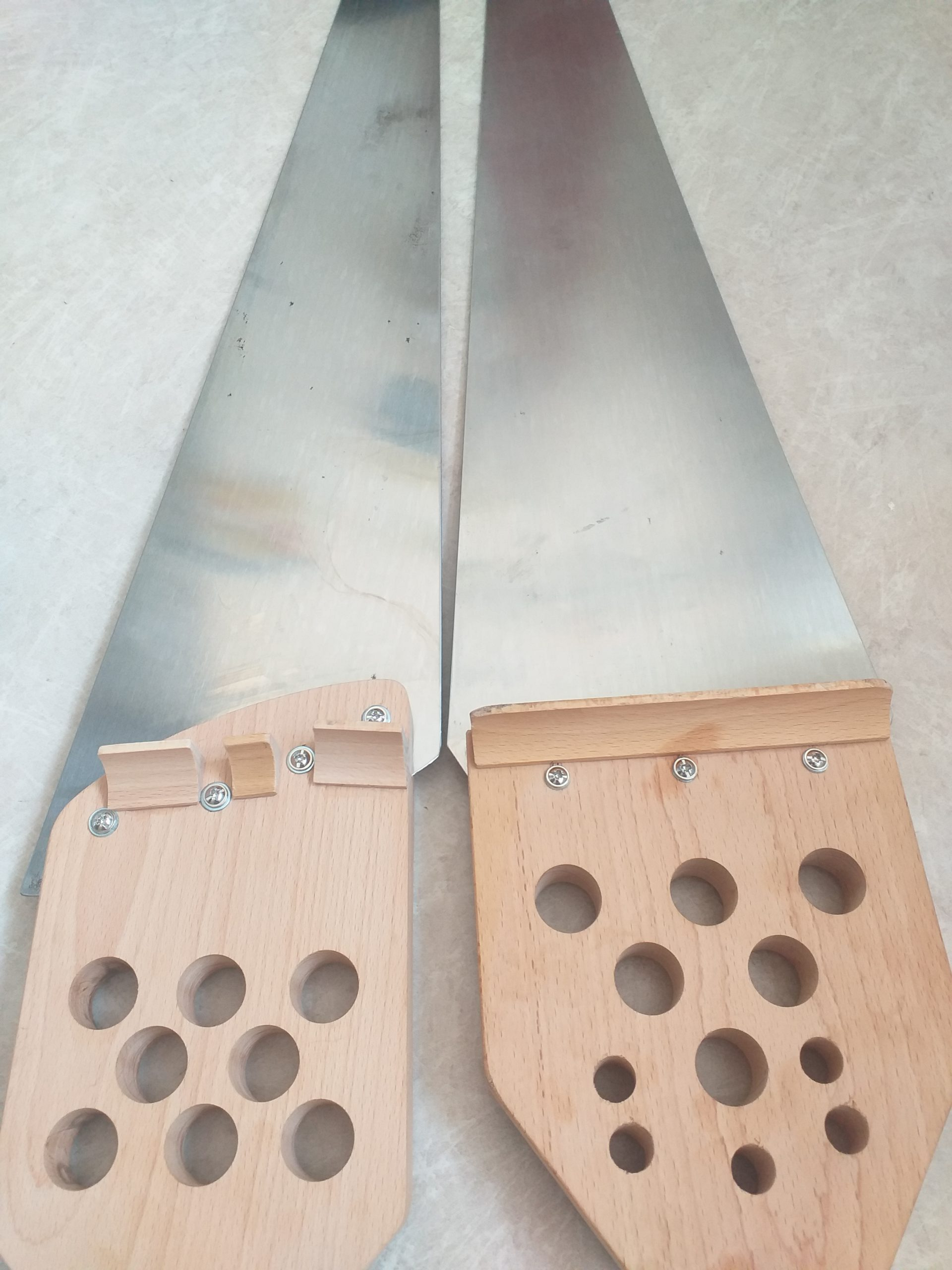 modèle symphonie à droite et modele special à gauche